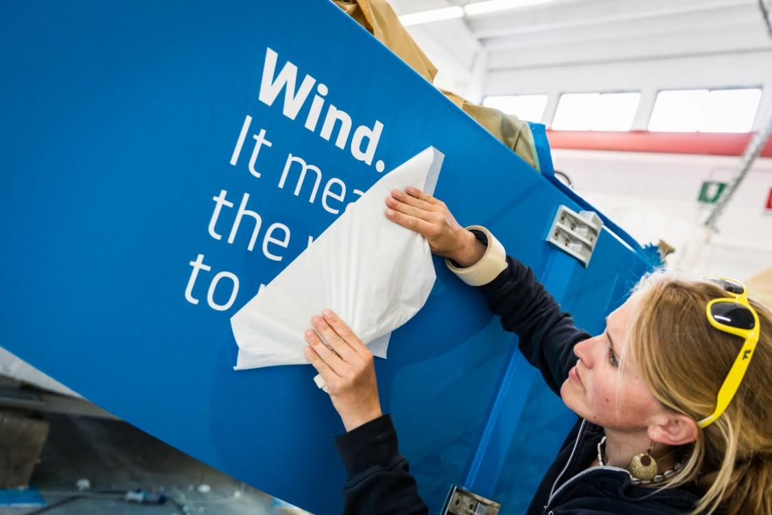 2014-15, Volvo Ocean Race, VOR, Persico, Italy, rebuild, Team Vestas Wind, boatyard, paint, transfers